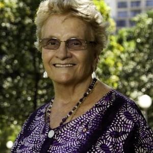 Dr Shirley Randell